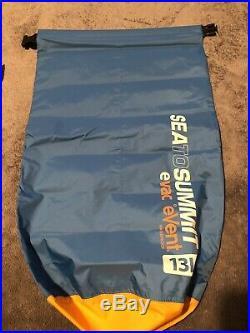 NEW Western Mountaineering Alpinlite sleeping bag 6' Right zipper withFree Event